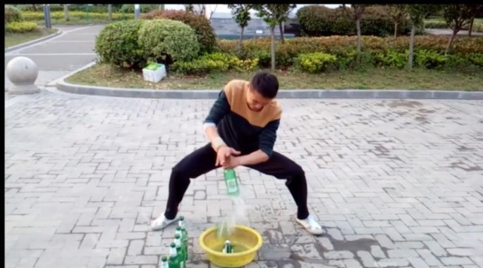 amazing kung fu feats breaking bottles